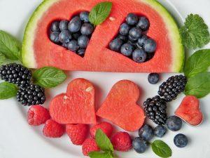 6 טריקים שיגרמו לילדים לאכול ירקות ופירות